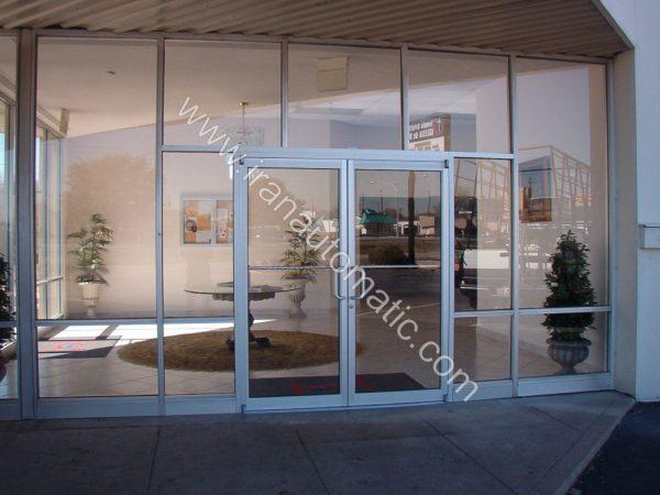 درب شیشه ای بانکی